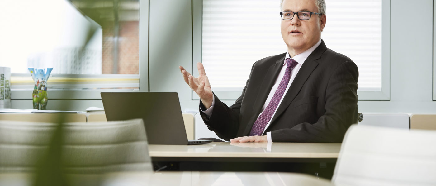 STEFAN DE LOECKER CEO DE BEIERSDORF : « CINQ ANS POUR FAIRE ÉVOLUER LE GROUPE »