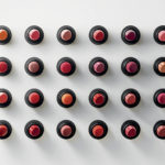 MAQUILLAGE : Hermès passe de l'orange au rouge